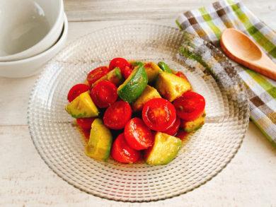 アボカドとトマトの和風サラダ