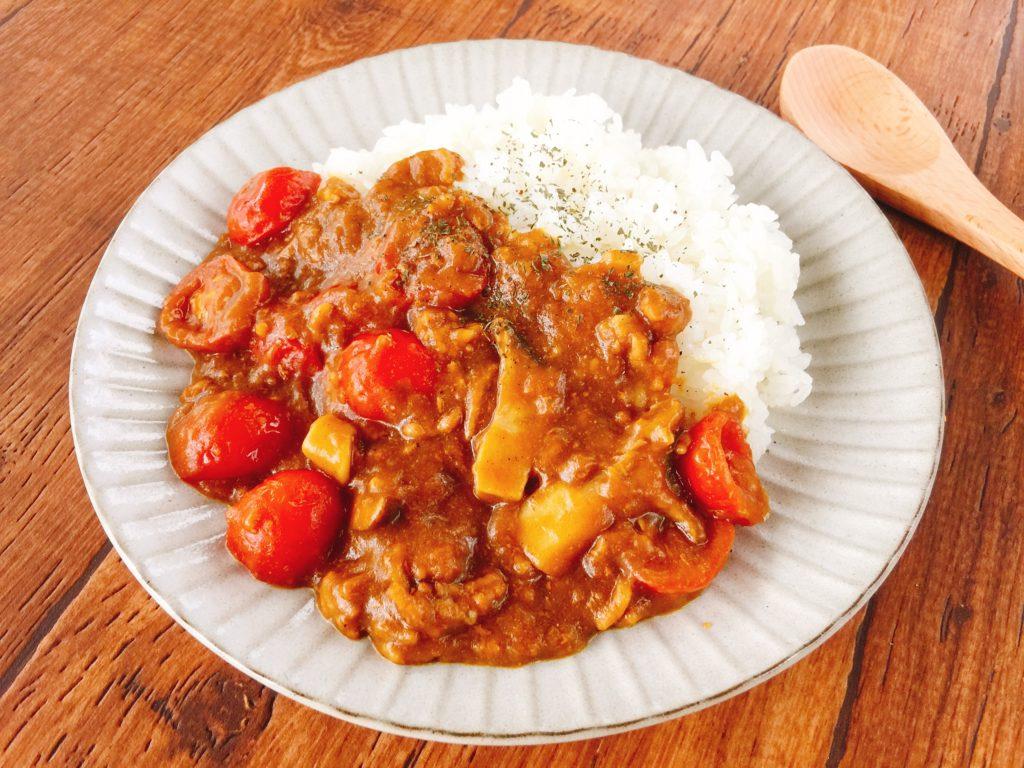 レンジで簡単トマトとエリンギのカレー