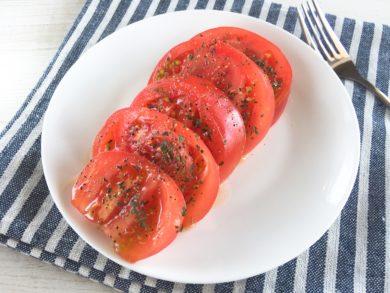 トマトのバジルがけ